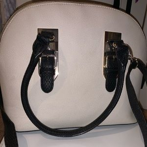Apt 9 gently used black and white purse